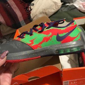 Like new KD shoes 😍😍